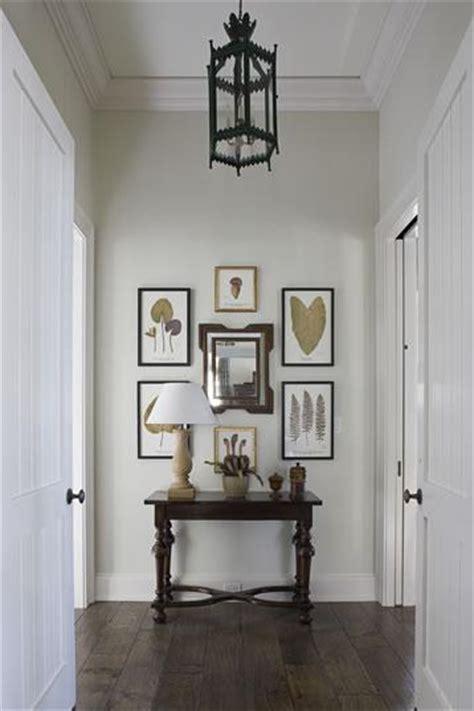 cottage entrancefoyer