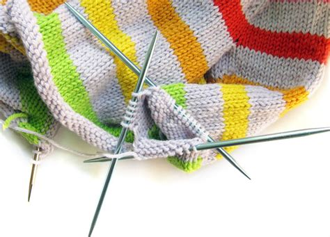knitting sleeves on circular needles how to use 9 quot circular needles for any pattern shiny