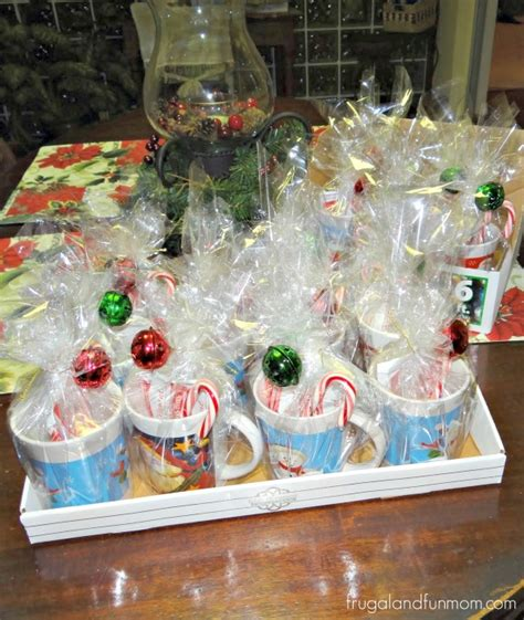 25 dollar hot christmas gifts 16 semi mugs gifts i made 25 dollars with cocoa and canes