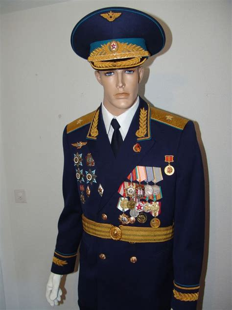 complete uniform of a german air force general item recuni 1 2 soviet air force major general s full ceremonial parade