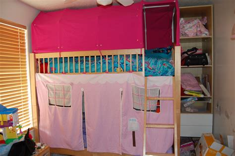 Tent For Bunk Bed Everyone S Excited And Confused Crafts Bunk Bed Tents And Who Baby Book