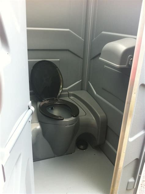 Johnnie For Comfort johnny comfort patchogue new york toilets portable proview
