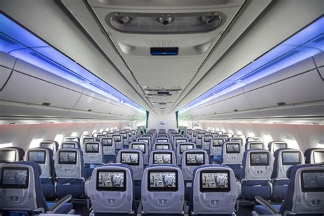 sedere pi禮 bello mondo airbus raises plane production boosted by low prices