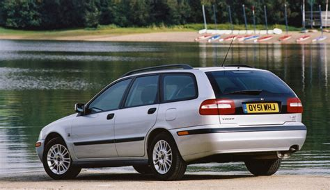 Vovlo S40 Review by Volvo V40 Estate Review 1996 2004 Parkers