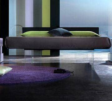 come stimolare un uomo a letto il letto air di lago un letto sospeso nel vuoto moda