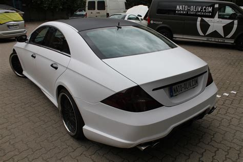Wei Es Auto by Mercedes Cls In Weiss Matt Nato Oliv