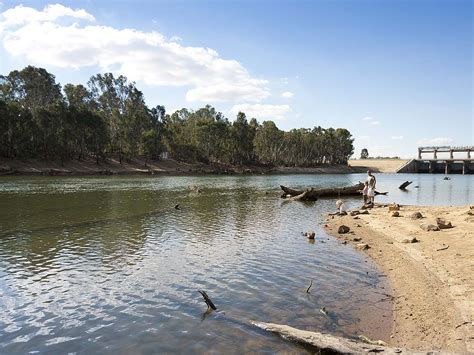 boat r yarrawonga fishing outdoor activities victoria australia