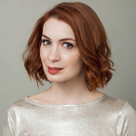 what is felicia day s hair color 4 women reshaping the nerd girl stereotype the lala