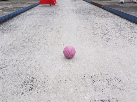 alinear imagenes latex jugar a juegos de bolas good un juego de bolas para