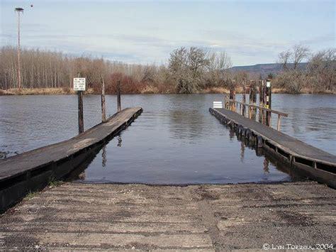 pontoon boat dock bumpers best 25 boat dock bumpers ideas on pinterest dock ideas