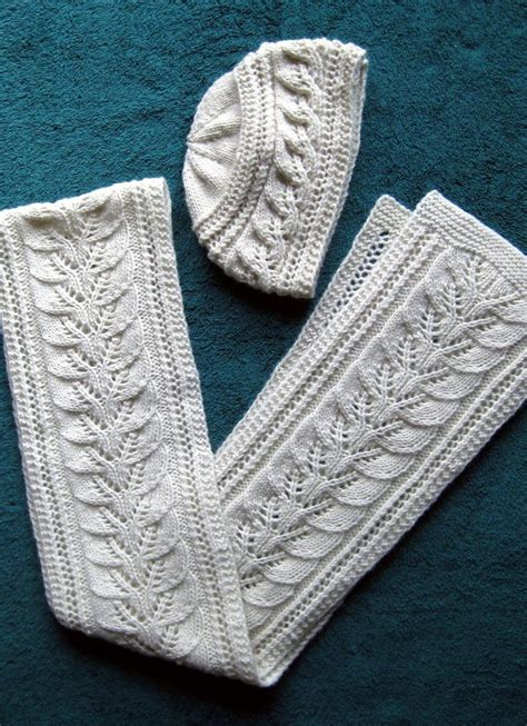 pattern leafy columns 1482 best free knitting patterns images on pinterest