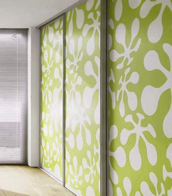 green wallpaper modern bedroom decorating ideas green paint and wallpaper