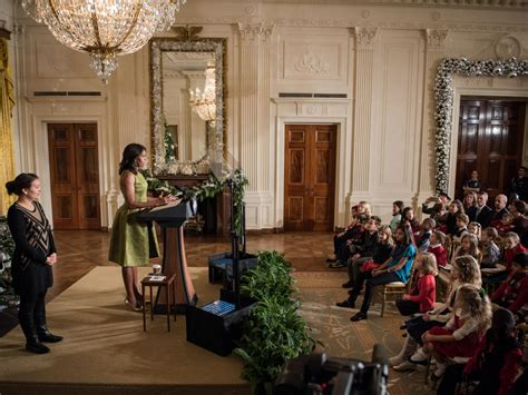 michelle obama white house christmas designers white house 2015 a spectacular hgtv s decorating design hgtv