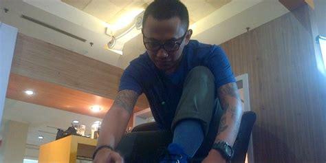 Pembersih Sepatu Andrrows Kisah Sukses Pria Bertato Asal Yogya Jadi Pengusaha Semir