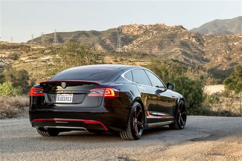Tesla Model S Accessories Strut Offers Aftermarket Accessories Package For The 2015