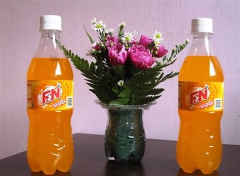 decorar garrafa pet presente para o dia das m 227 es vaso decorado de garrafa