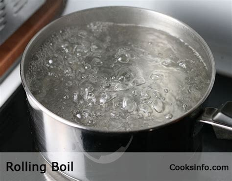 Definition Simmer by Rolling Boil