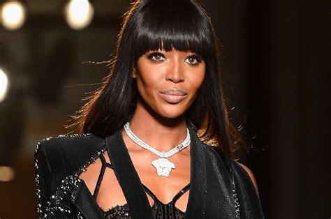naomi campbell  versace  paris fashion week pursuitist