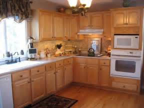 kitchen colors with light wood cabinets man 17 93 kitchen colors with light wood cabinets 95 kitchen colors with light cabinets 111
