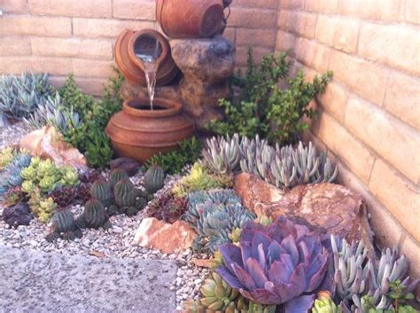 Succulent Garden Layout 26 Blooms Succulent Landscape And Design Suculentas Pinterest Gardens In The Corner And