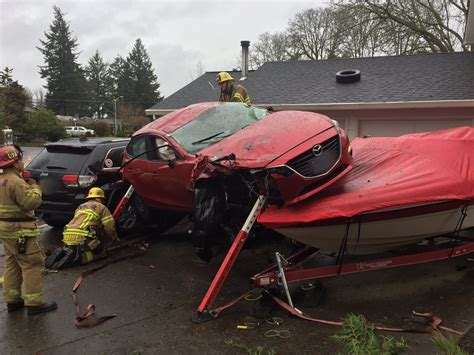 boat crash portland crash sends car on top of boat in nw portland wsyx
