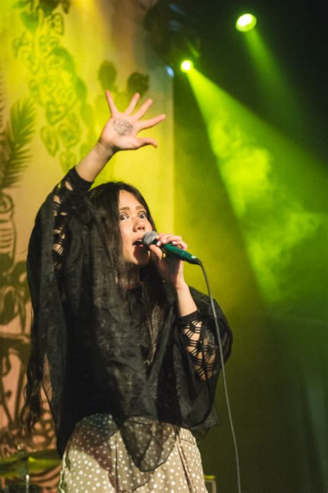 Cansei De Ser Sexys Alala 2 by Css Played S East With Mndr Feathers Pics Setlist