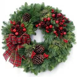 christmas wreath country christmas wreath it s beginning to look a lot