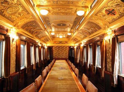 carrozze ferroviarie italiane museo ferroviario di pietrarsa scopri la storia dei treni