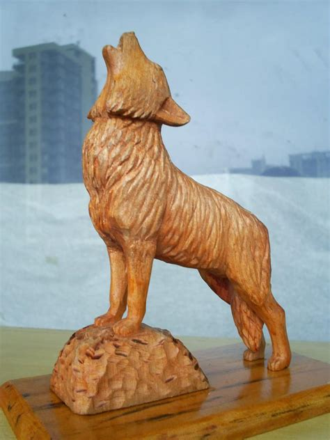 wolf wood carving  woodworking