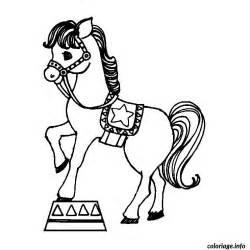 coloriage chevaux cirque jecolorie
