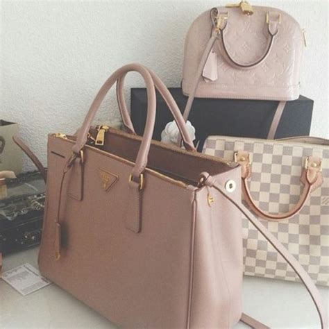 Pin Fashionable Lv Eye Pink the 25 best ideas about louis vuitton bags on louis vuitton clothing louis vuitton