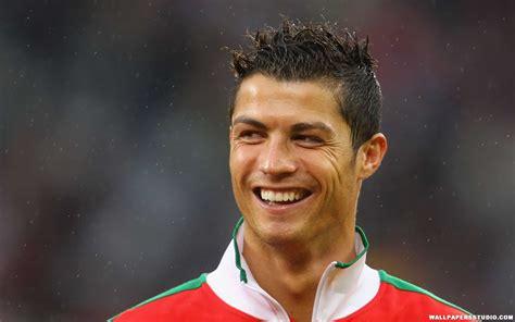 Cristian Ronaldo portuguese football player cristiano ronaldo bio