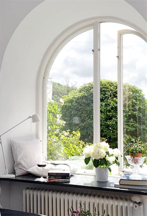 Windowsill Bay 6 Ways To Decorate Dress Your Window Sills