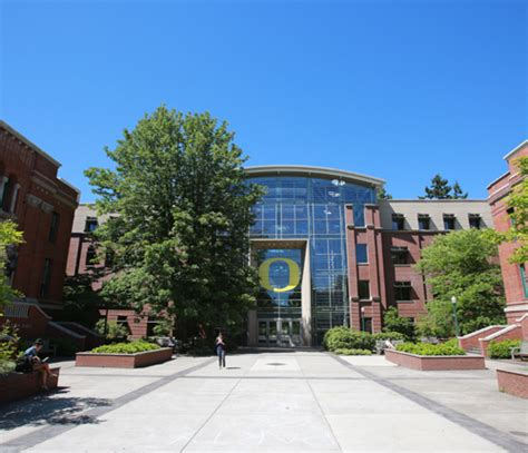 Oregon Executive Mba Tuition by About Lundquist College Of Business