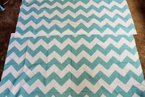 chevron pattern curtains easy chevron curtains the ribbon retreat blog