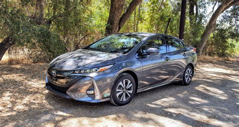 nissan leaf vs chevy volt toyota prius prime review vs chevy volt nissan leaf 2017