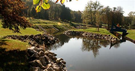 elektrisch bootje jardins d o de nismes ecologisch parcours in een