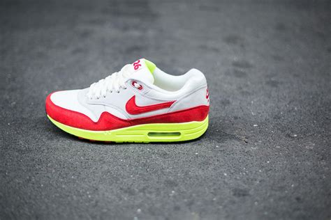 solid color air max alliance for networking visual culture 187 block colour air
