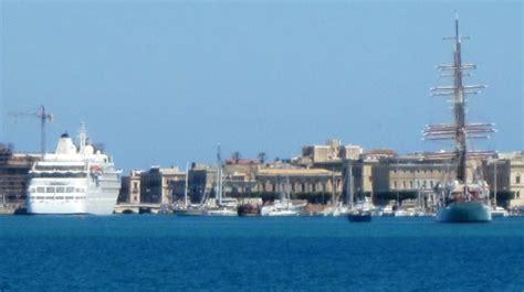 porto grande siracusa nuova banchina al porto di siracusa venti navi in arrivo