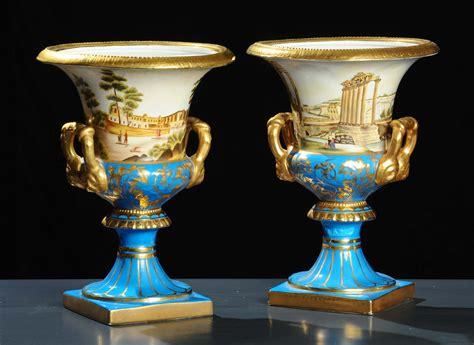 vasi in porcellana coppia di vasi in porcellana francia xix secolo