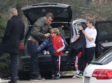 Paparazzi Make Romeo Beckham Cry At Disneyland by Bend It Like Beckham Romeo Looks Just Like David
