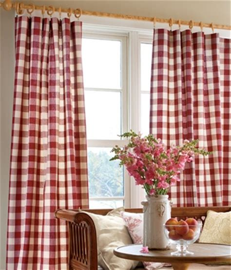 red checked curtains 25 best ideas about gingham curtains on pinterest check