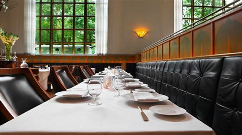 What is the interior design of Eleven Madison Park?   New