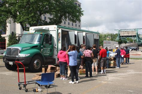 Joliet Food Pantry by Mobile Food Pantry