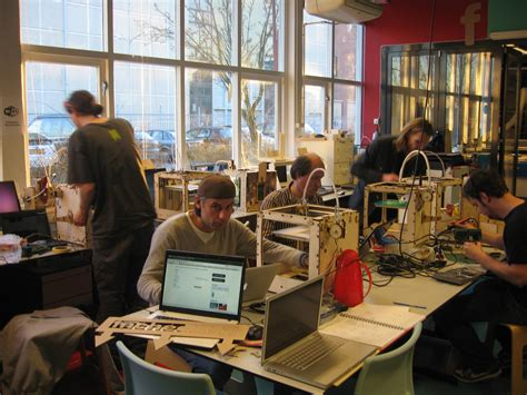 Office Space Wiki File Protospace A Hackerspace Jpg Wikimedia Commons