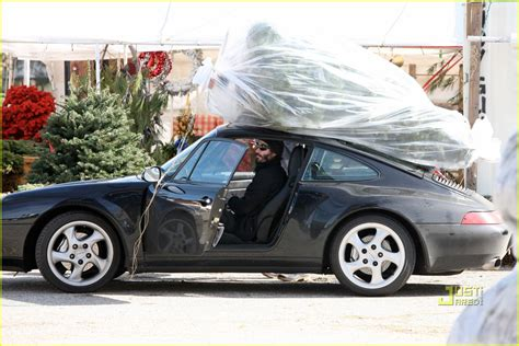 porsche with christmas tree 8x een kerstboom vervoeren met onwaarschijnlijke auto s
