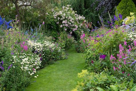 Kitchen Border Ideas an english cottage garden landscape magazine