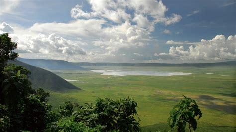 ngorongoro crater holidays holidays  ngorongoro crater