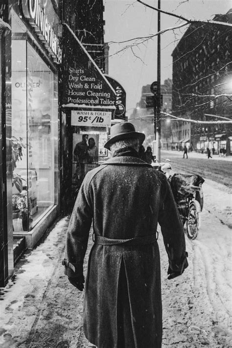 Gritty, Black and White Photographs of New York by Luc Kordas