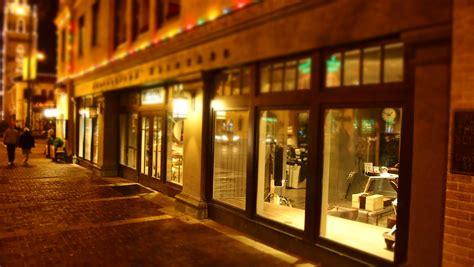 vetrine illuminate free images restaurant downtown evening